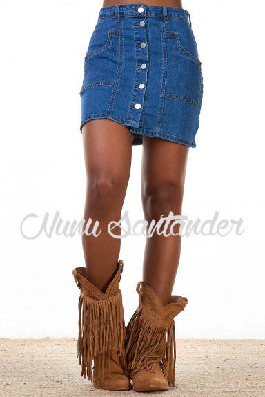 Falda corta estilo vaquero